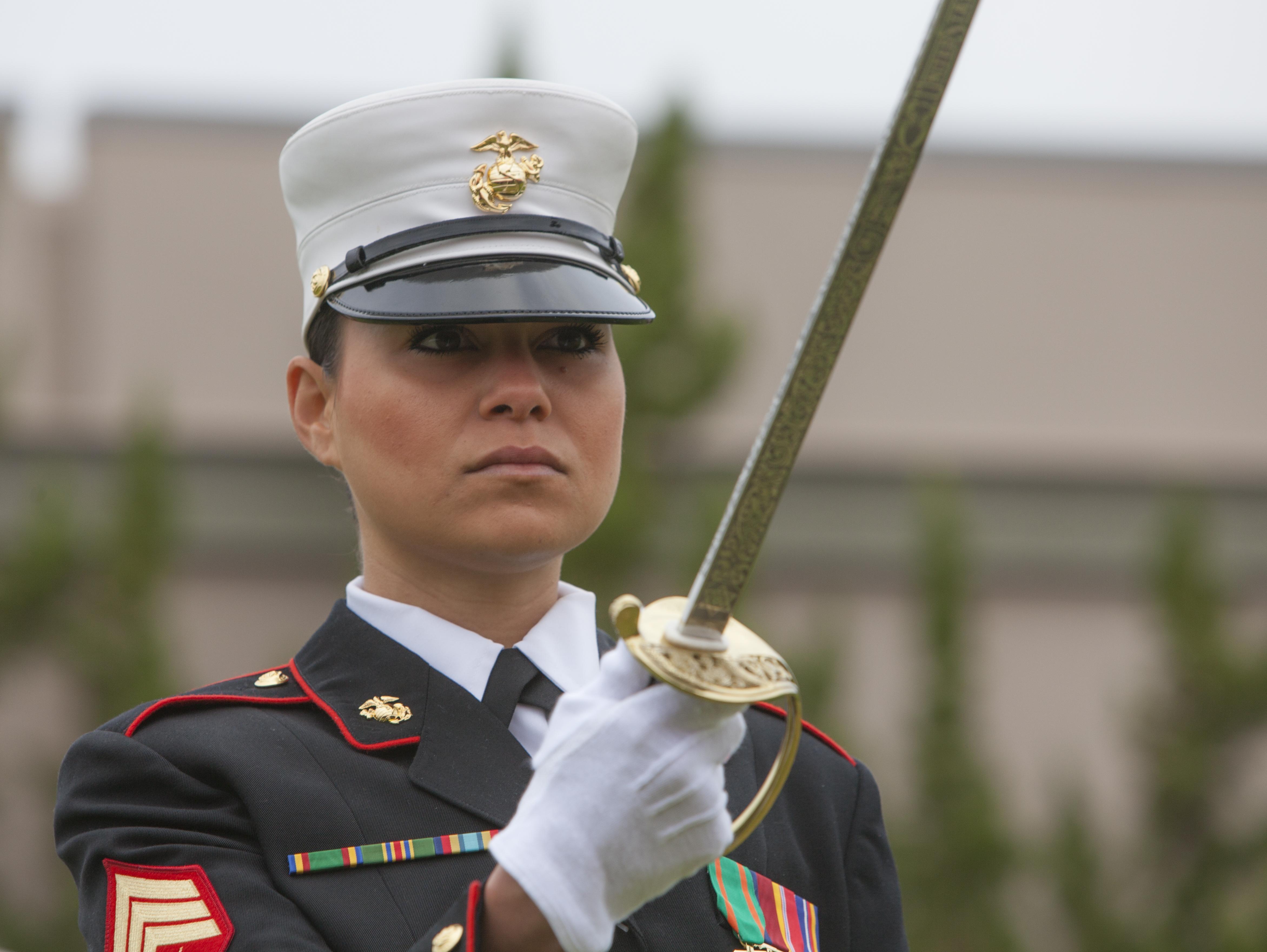 Pentagon: 6,000 New Military Jobs for Women - USNI News