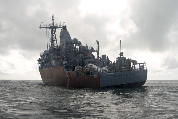 USS Guardian (MCM-5) sits aground on Tubbataha Reef. US Navy Photo