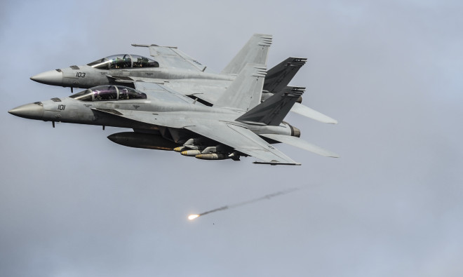 Senate Appropriations Bill Adds 12 Super Hornets, $1.6B to Navy Shipbuilding