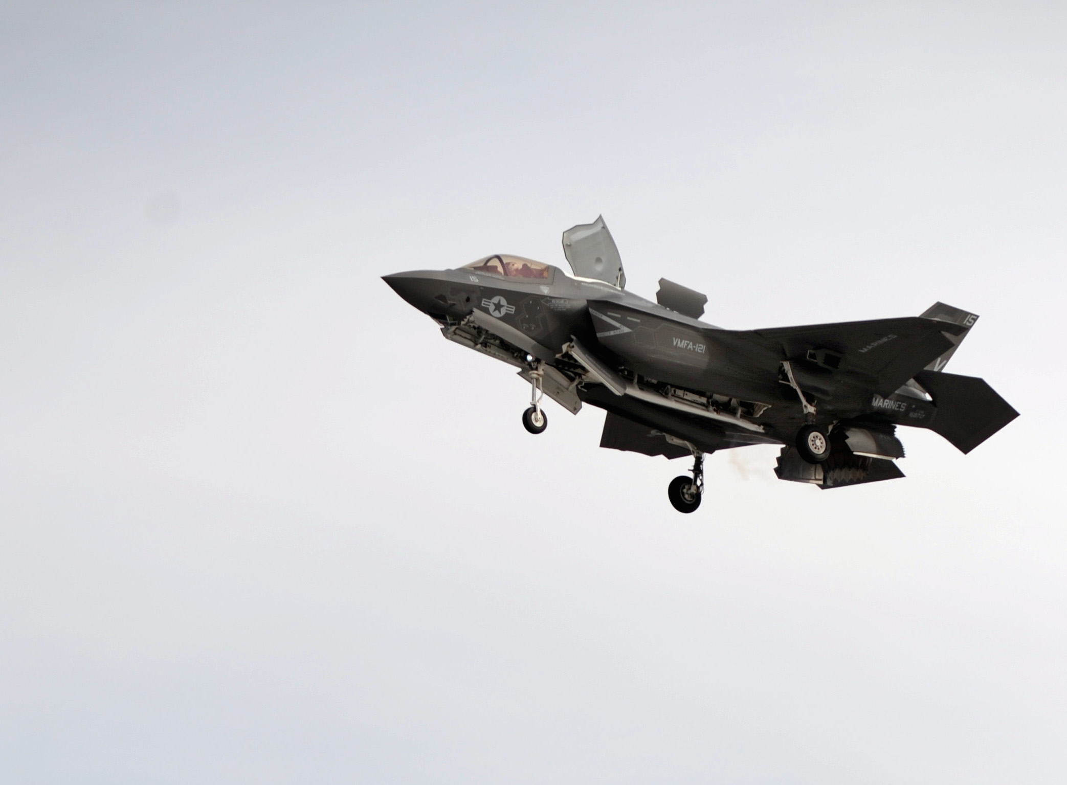 An F-35B Lightning II Joint Strike Fighter prepares to make a vertical landing at Marine Corps Air Station Yuma, Ariz. in 2013. US Navy Photo