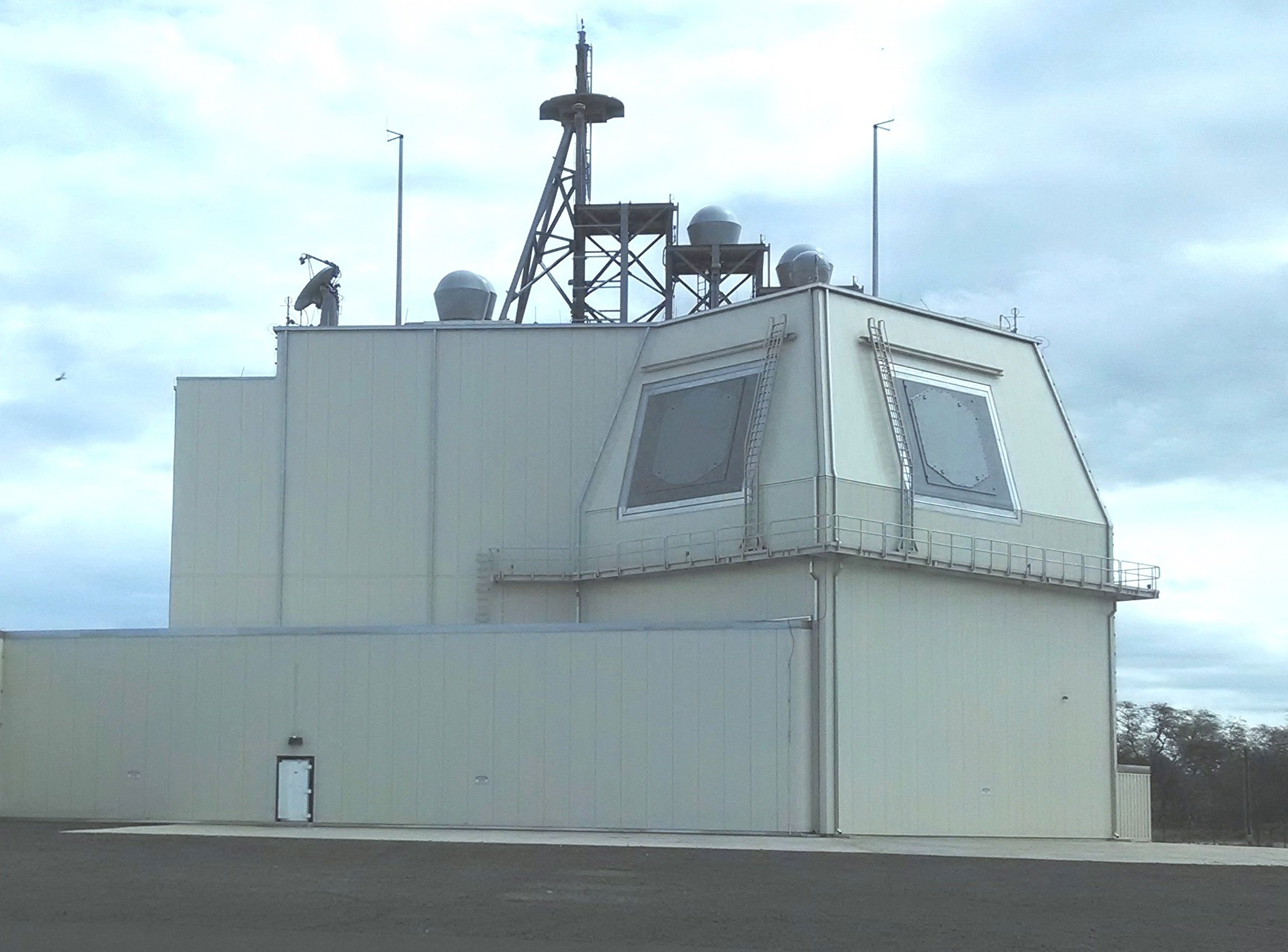 The deckhouse for the Aegis Ashore system at the Pacific Missile Range Facility. This is the test asset for the Aegis Ashore system on Jan. 8, 2014. US Navy Photo