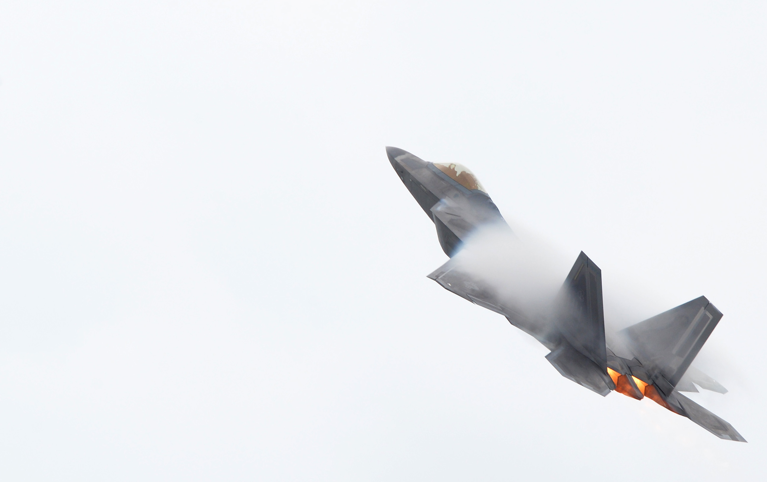 F-22 Raptor takes off for a training mission at Joint Base Pearl Harbor-Hickam on May 16, 2014. US Air Force Photo