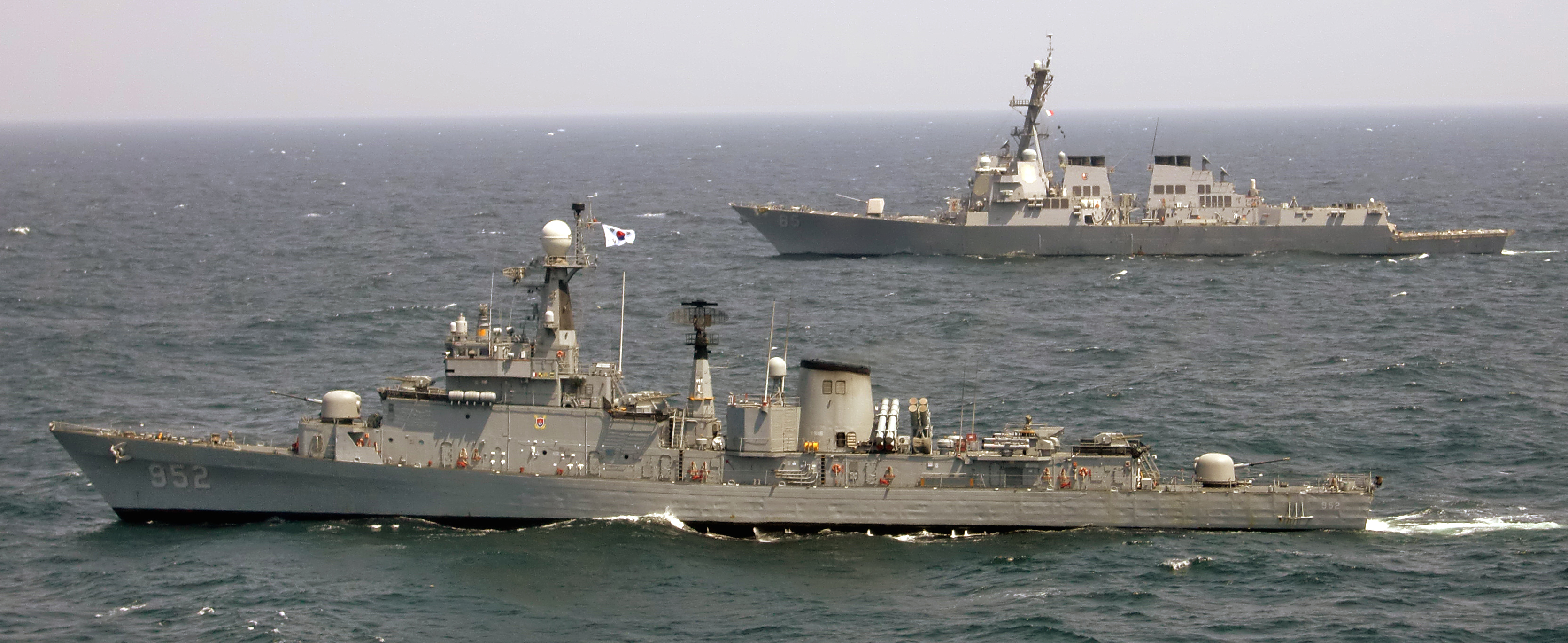 Republic of Korea Ulsan-class frigate ROKS Seoul (FF-952) in 2011. US Navy Photo