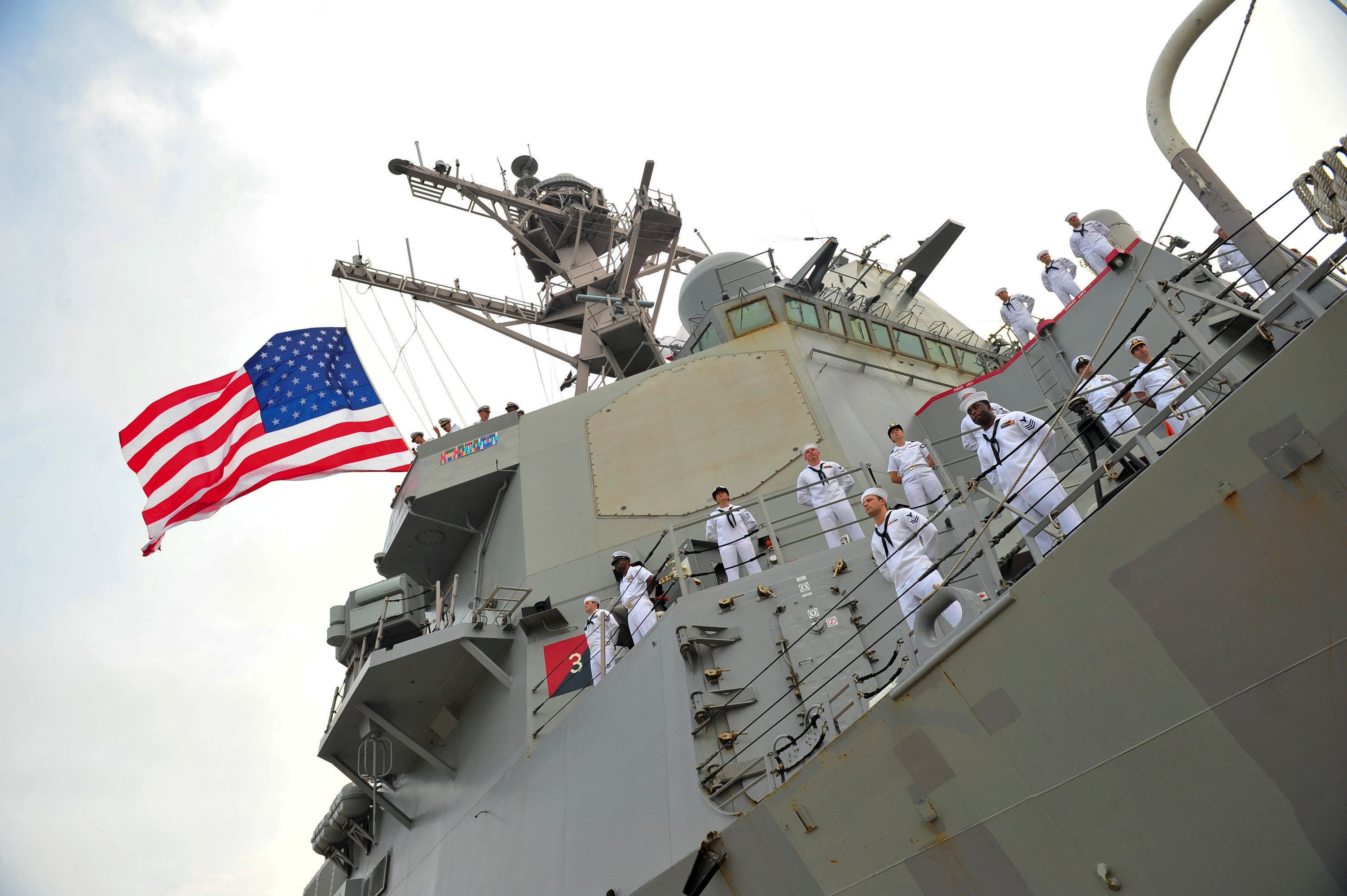USS Carney (DDG-64) returns to port at Naval Station Mayport, Fla. on May 25, 2014. US Navy Photo