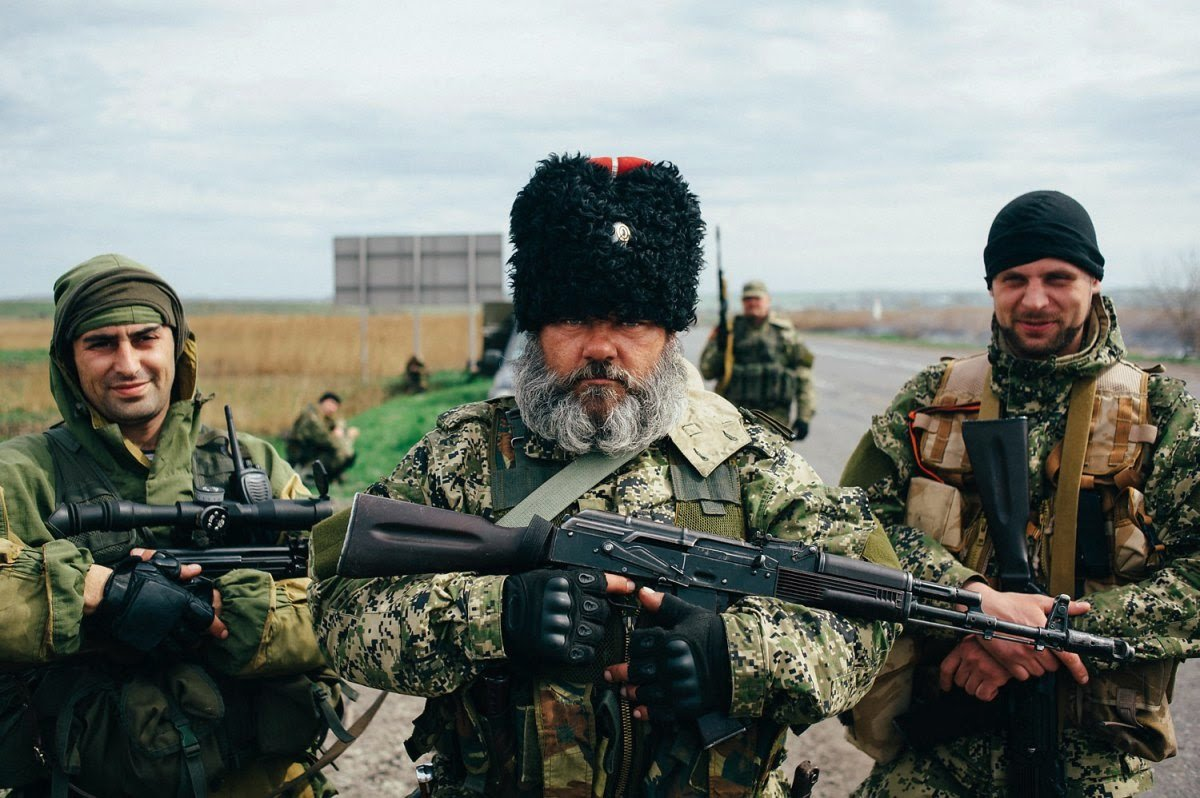 Pro-Russian separatists at a check point in Kharkiv in Eastern Ukraine on 2014.