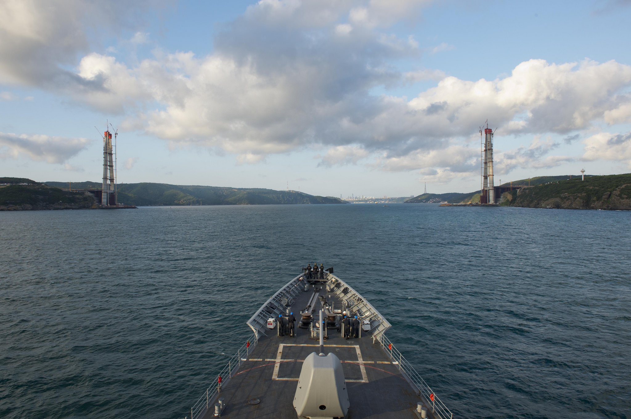USS Vella Gulf (CG-72) departs the Black Sea and enters the Bosphorus Strait  on Aug. 26, 2014.