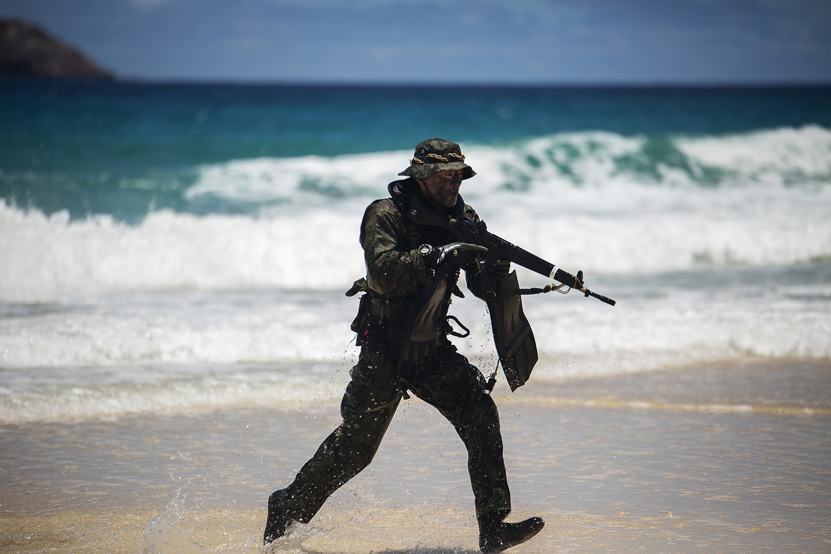A soldier with the Japan Ground Self-Defense Force (JGSDF) during the Rim of the Pacific 2014 Exercise. US Navy Photo