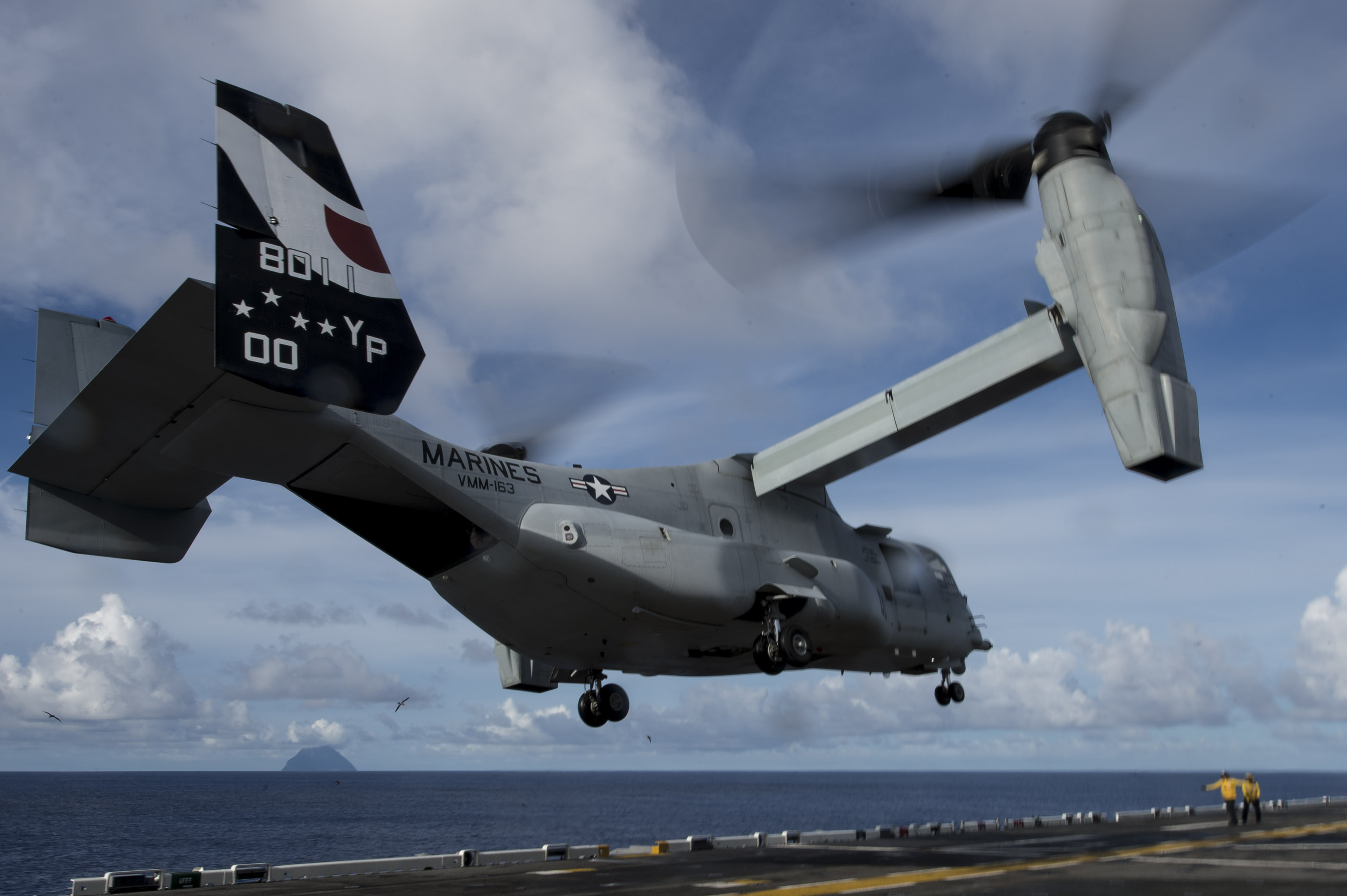 MV-22 Osprey attached to Marine Medium Tiltrotor Squadron (VMM) 163 (Reinforced) launches from the flight deck of amphibious assault ship USS Makin Island (LHD 8) on Aug. 16, 2014. US Navy Photo