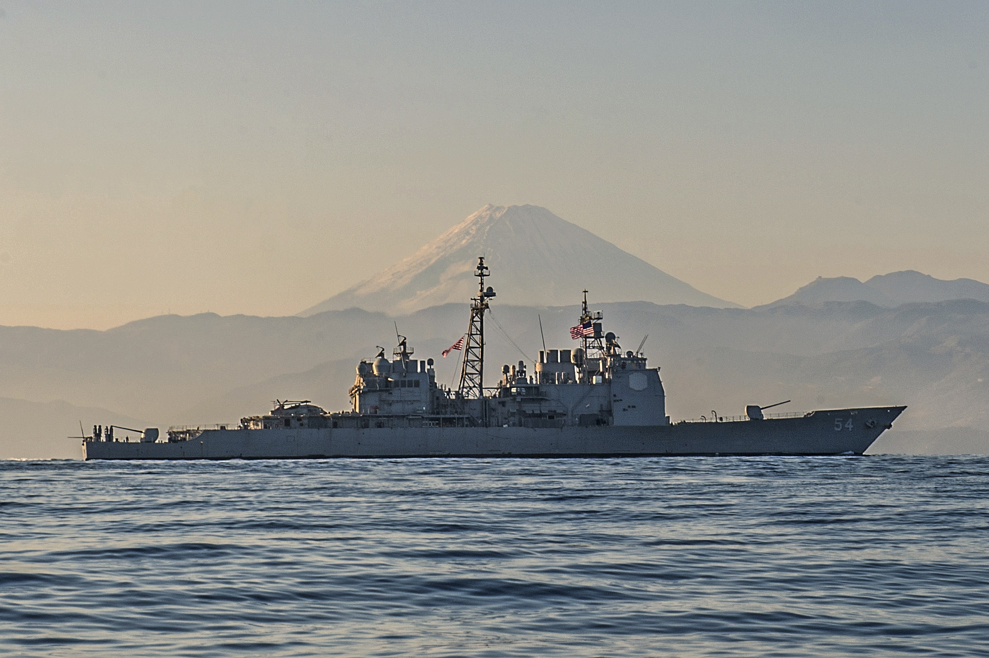 USS Antietam (CG-54) is underway off the coast of Japan near Mt. Fuji. US Navy Photo