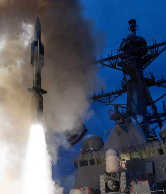 Navy, Raytheon Test Standard Missile-6 Against Supersonic Over-the-Horizon Threat