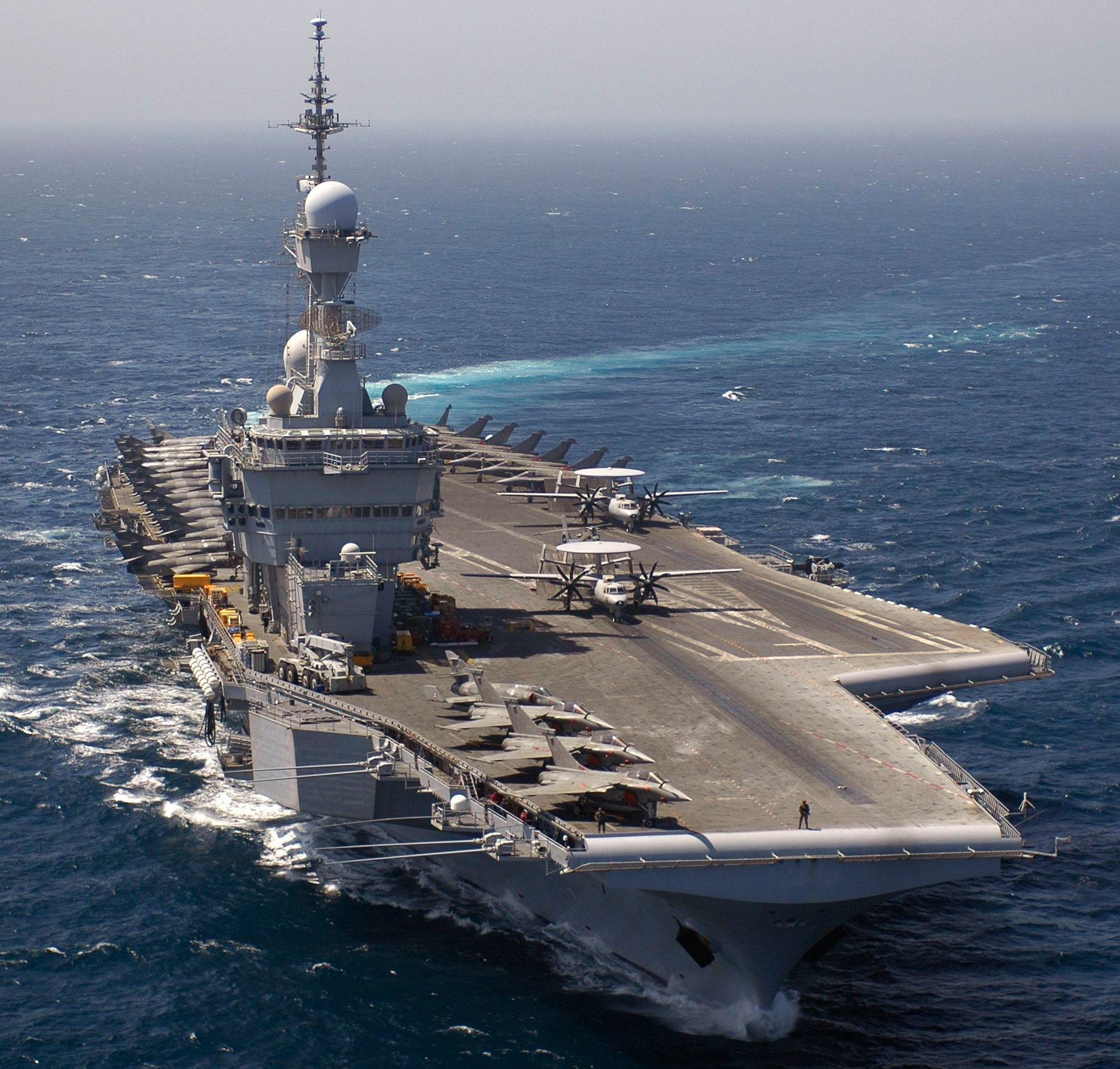 French carrier to deploy to indian ocean could join isis fight usni news - Porte avion francais en construction ...
