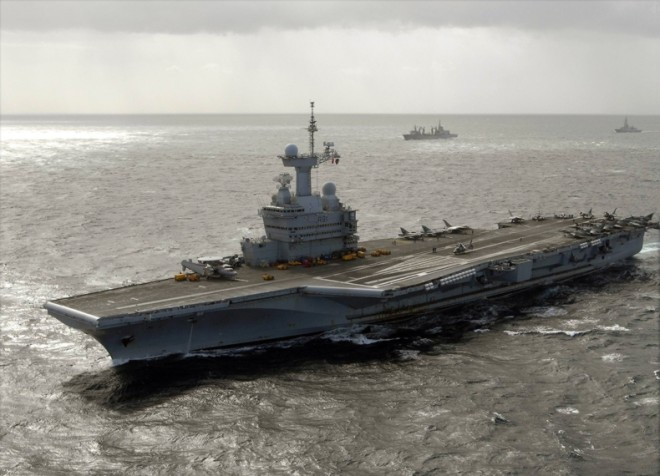 Defense Official: French Carrier Enters Persian Gulf, ISIS Strike Missions Could Start Soon