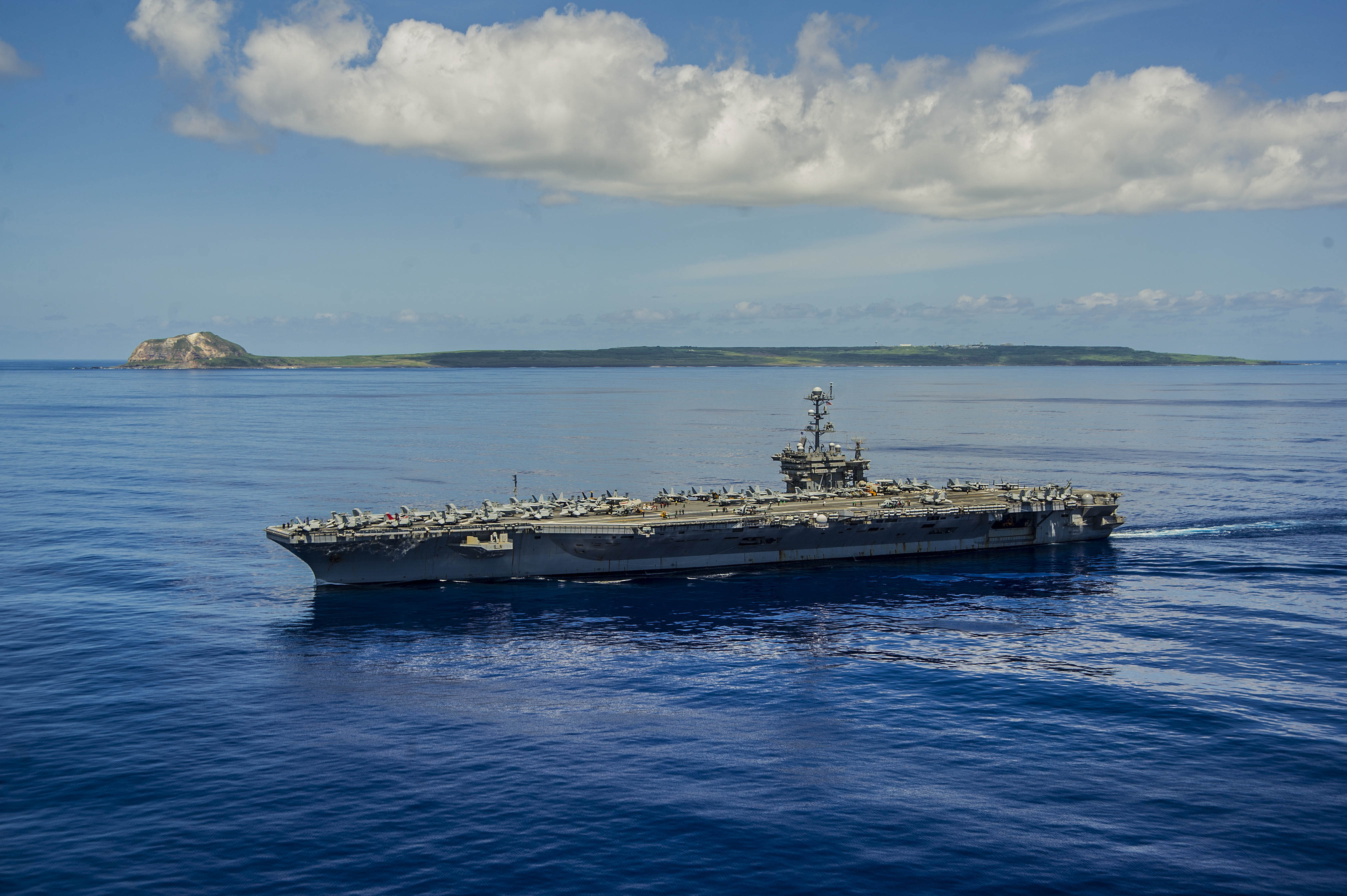 USS George Washington (CVN-73) is underway near the island of Iwo To, formerly known as Iwo Jima on Sept. 7, 2014. US Navy Photo