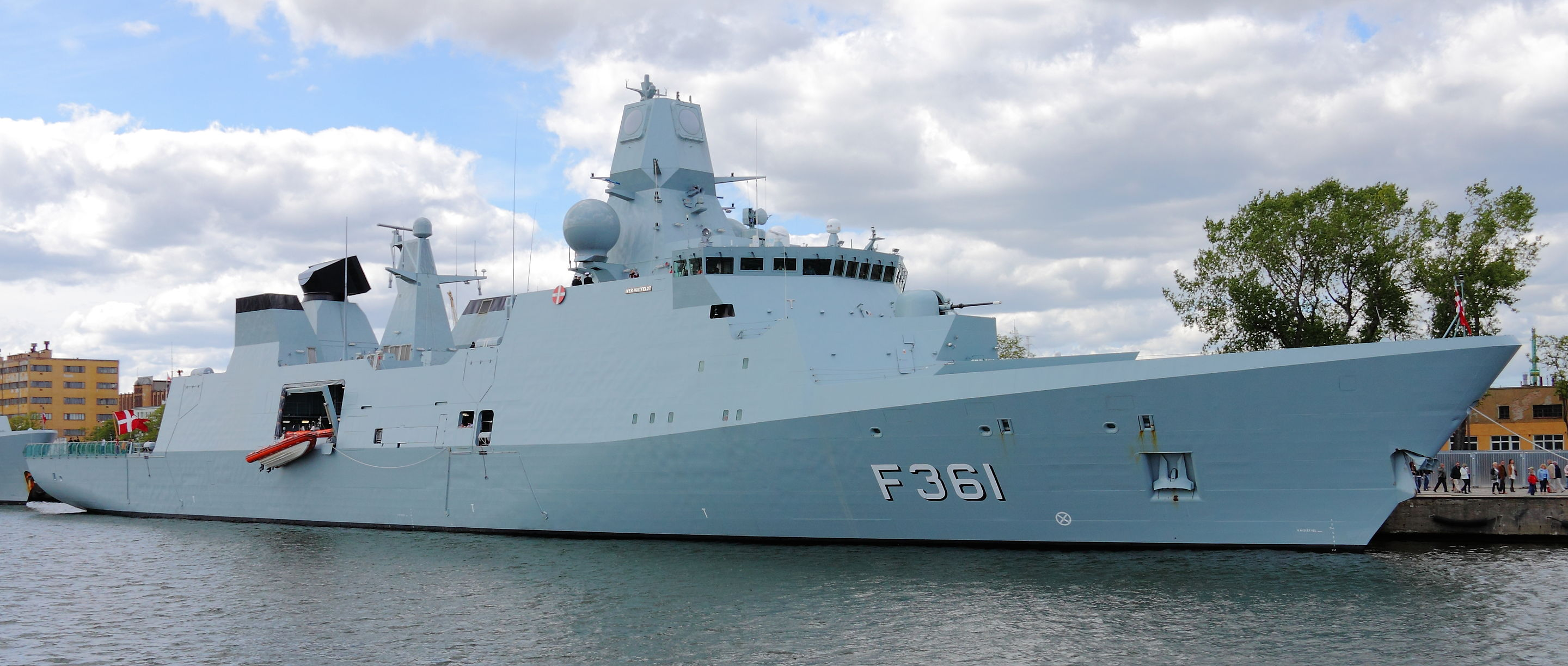 The Danish frigate, Iver Huitfeldt (F-361). Photo courtesy Wikipedia.
