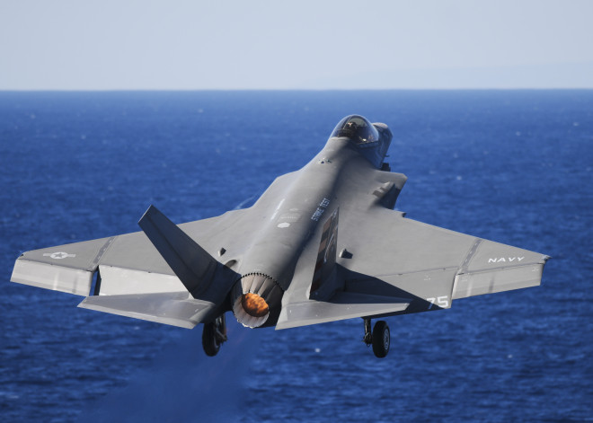 Mabus: F-35 Will Be 'Last Manned Strike Fighter' the Navy, Marines 'Will Ever Buy or Fly'