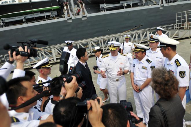USS Blue Ridge Pulls into Zhanjiang, China for Port Visit