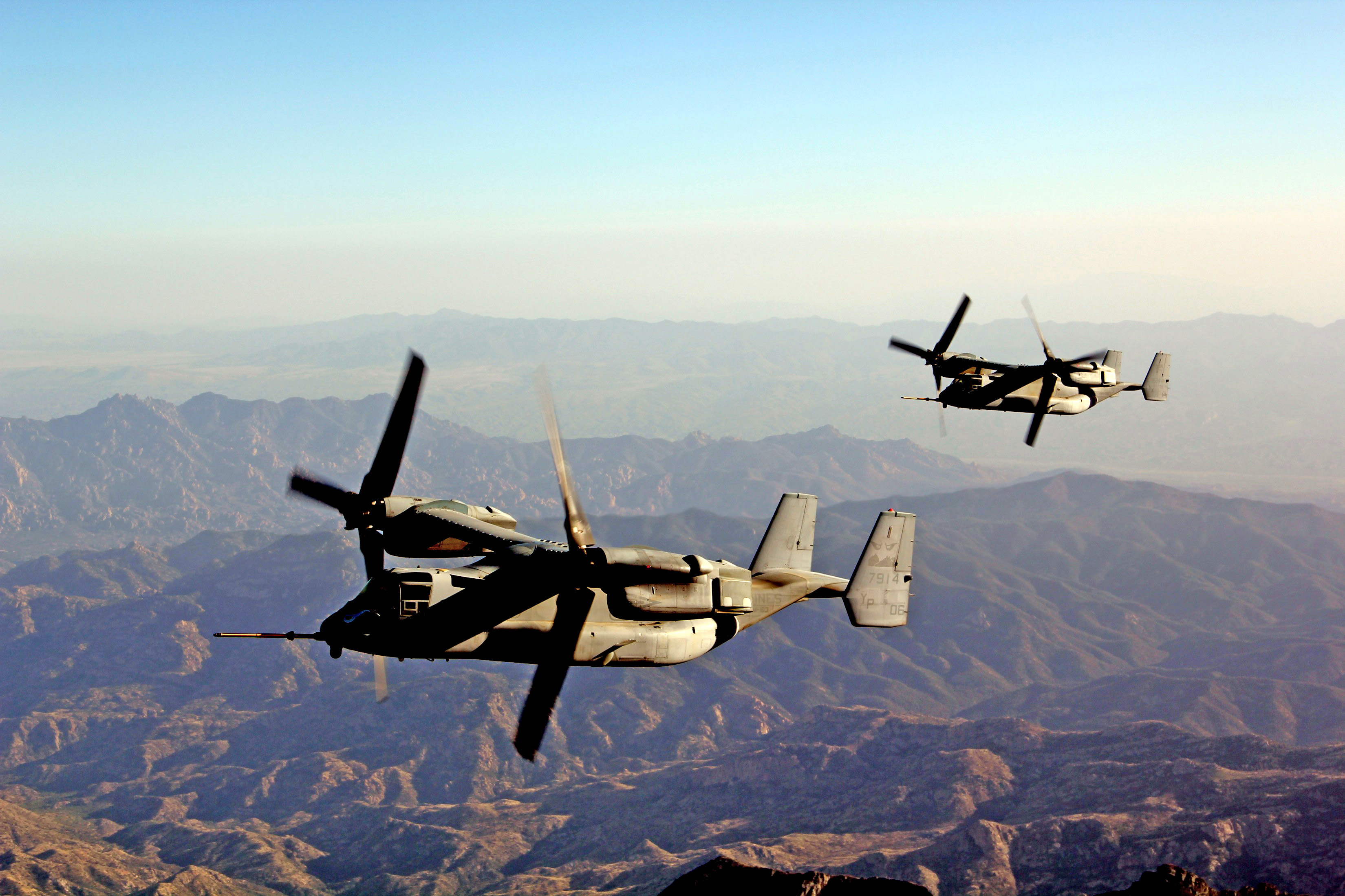 Two MV-22B Ospreys prepare for refueling during an aerial refueling training exercise as part of Weapons and Tactics Instructor course aboard Marine Corps Air Station Yuma, Ariz., April 8, 2015, the same exercise that hosted the CAC2S operational assessment. US Marine Corps photo.