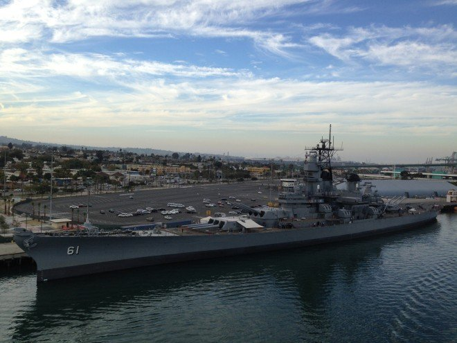 Battleship_USS_Iowa_at_the_Port_of_Los_Angeles