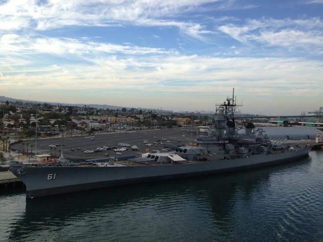 Battleship_USS_Iowa_at_the_Port_of_Los_Angeles