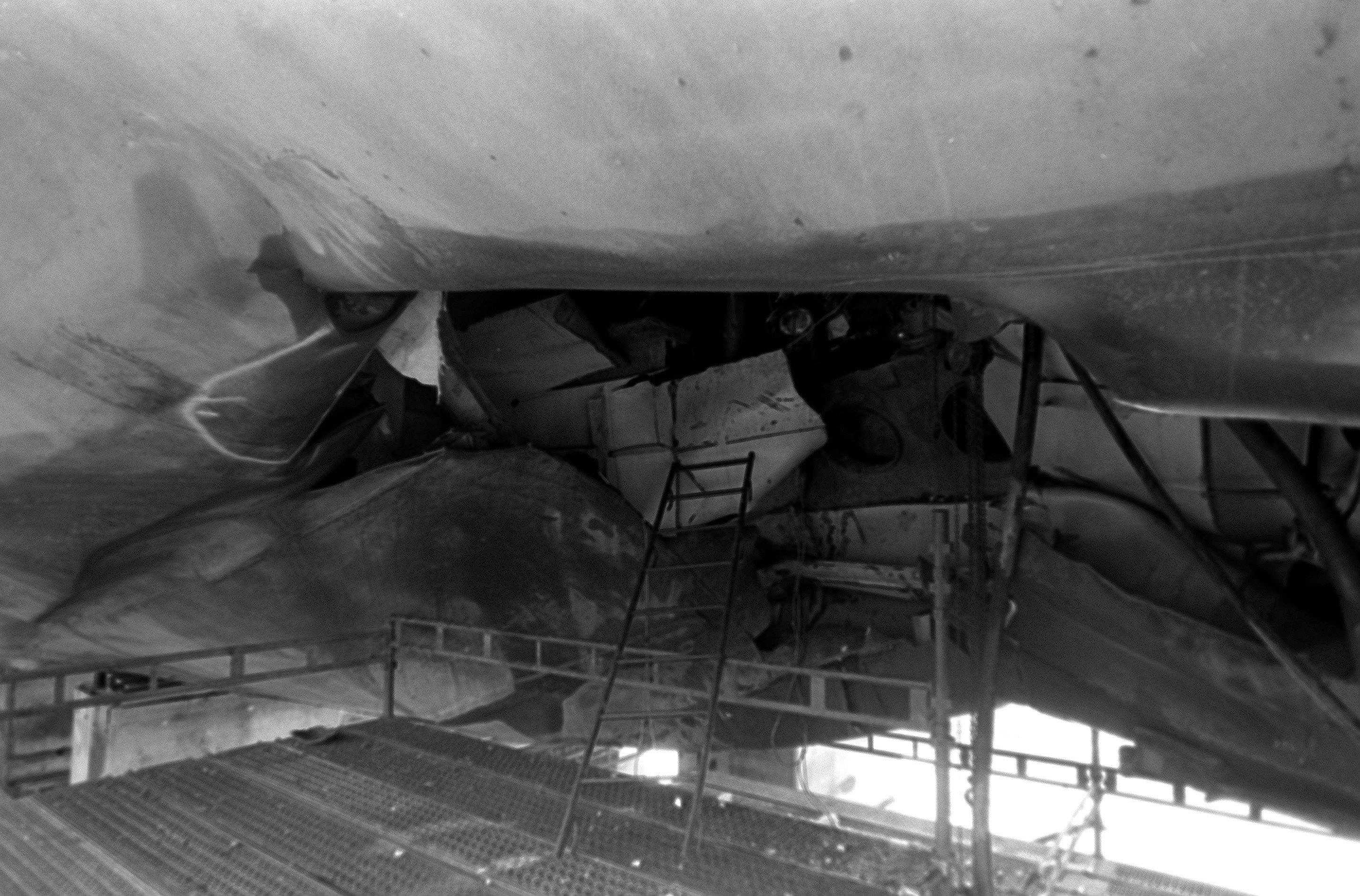 8989cbbd821 A view of damage to the hull of the guided missile frigate USS SAMUEL B.