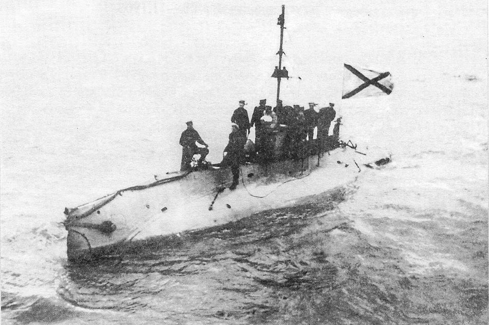 Russian Som-class submarine Beluga between 1914 and 1916.