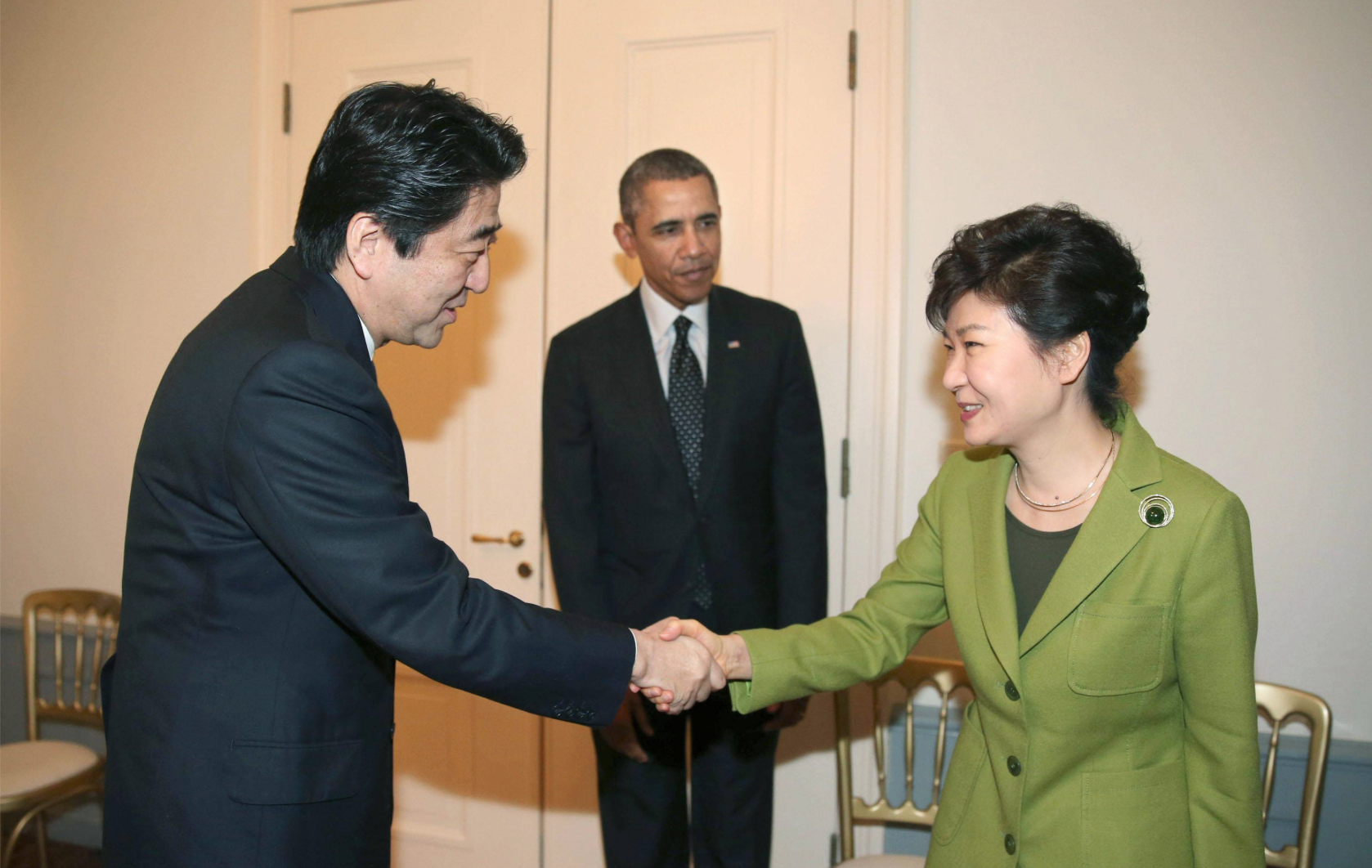 Prime Minister Shinzo Abe, U.S. President Barack Obama and South Korean President Park Geun-hye in 2014. Kyodo Photo