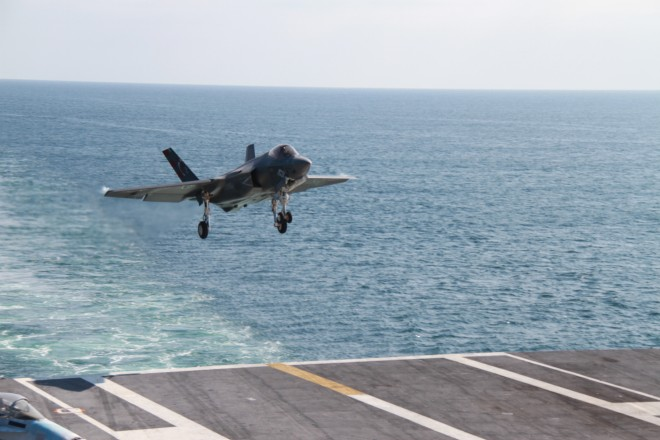 Video: Slow Motion Landing of F-35C Lighting II Joint Strike Fighter on USS Dwight D. Eisenhower