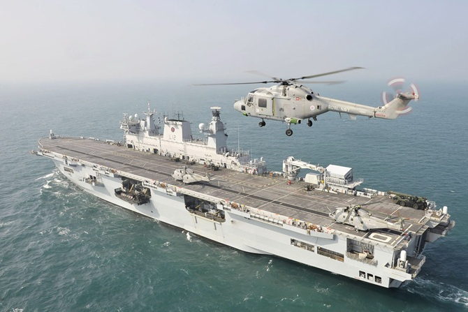 HMS Ocean underway. Royal Navy Photo