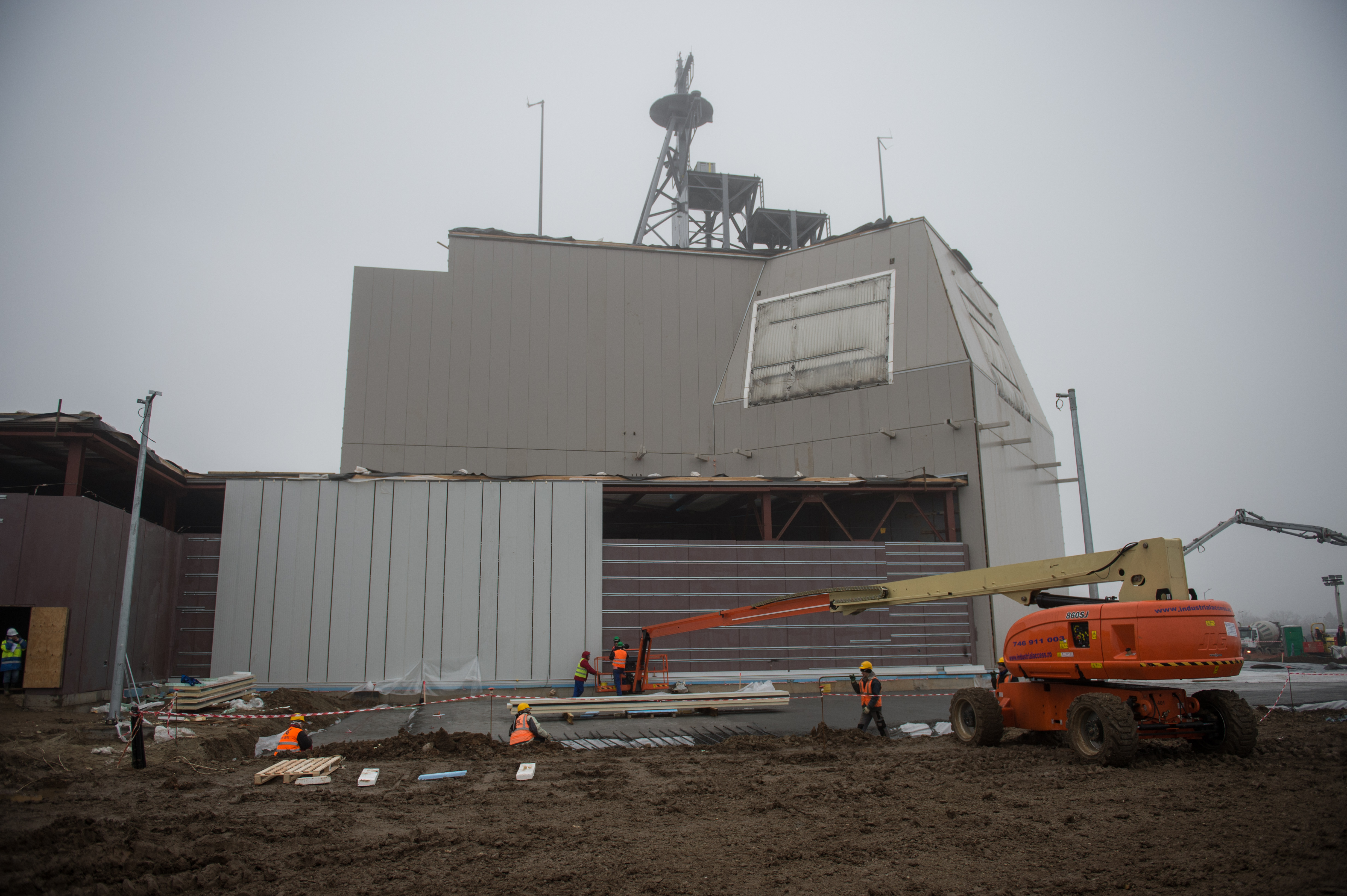 U.S. Navy Sailors and American and Romanian contractors construct a U.S. Aegis Ashore missile defense system at Naval Support Faculty Deveselu, Romania in January 2015. US Navy photo.