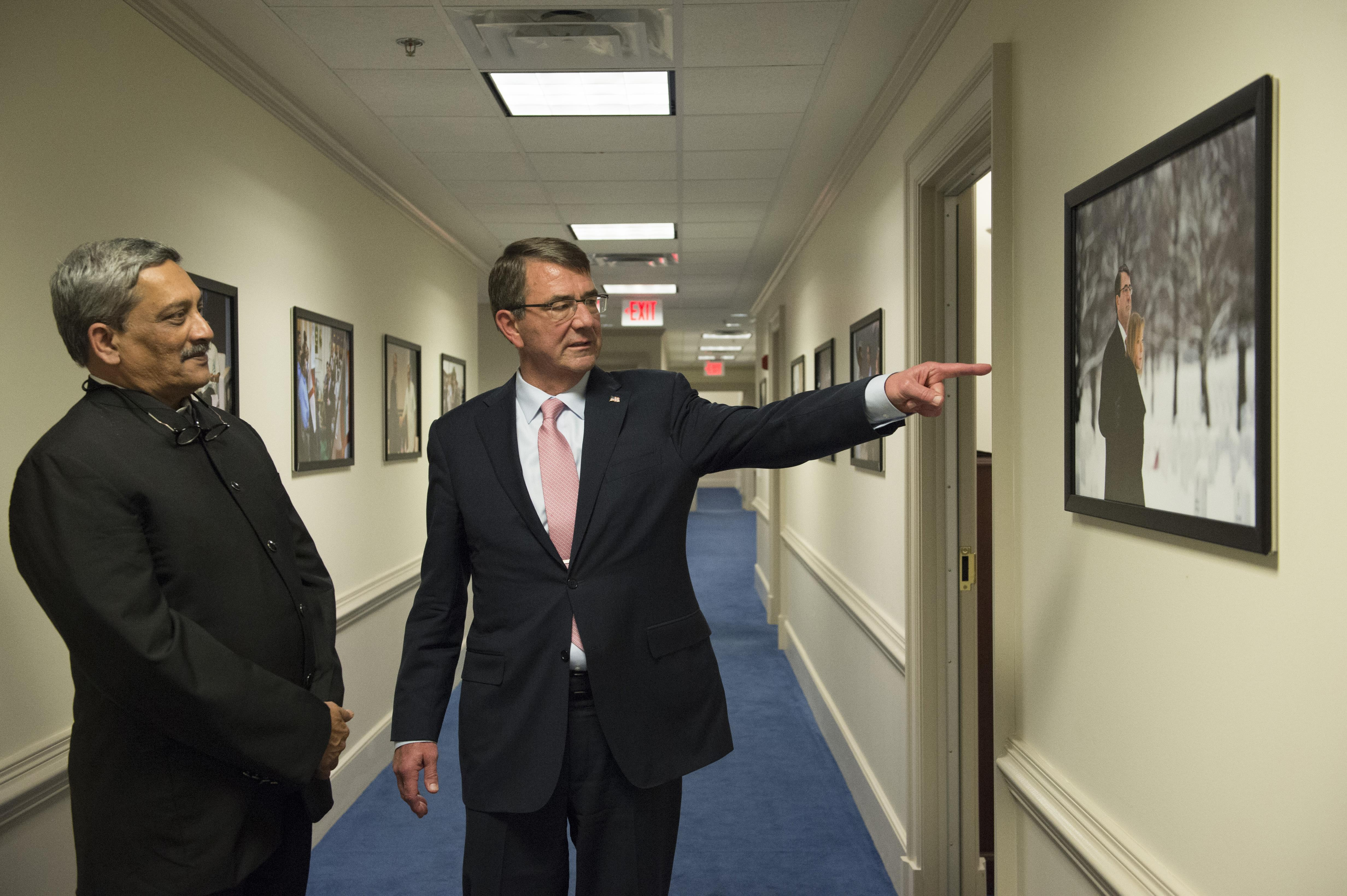 Indian Minister of Defense Manohar Parrikar and Secretary of Defense Ash Carter in the Pentagon. DoD Photo