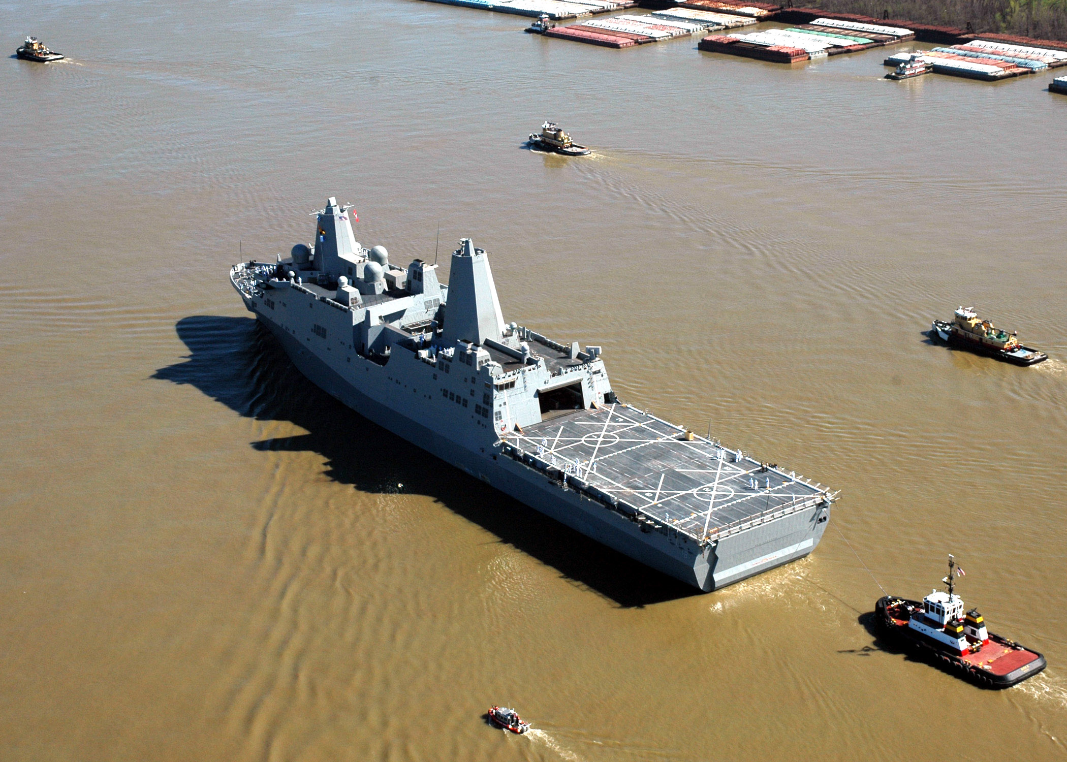 USS New Orleans (LPD-18) leaves Avondale Shipyard in 2007. US Navy Photo