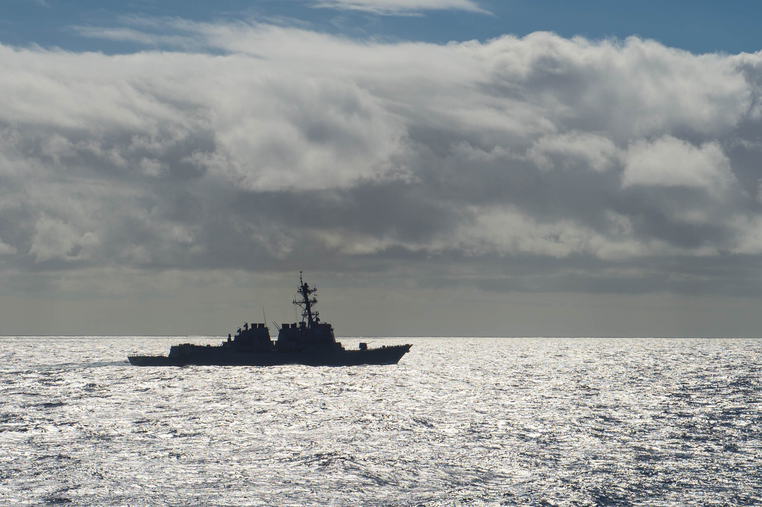 Arleigh Burke-class guided-missile destroyer USS McCampbell (DDG-85) transits waters near Guam on Jan. 21, 2016. US Navy Photo