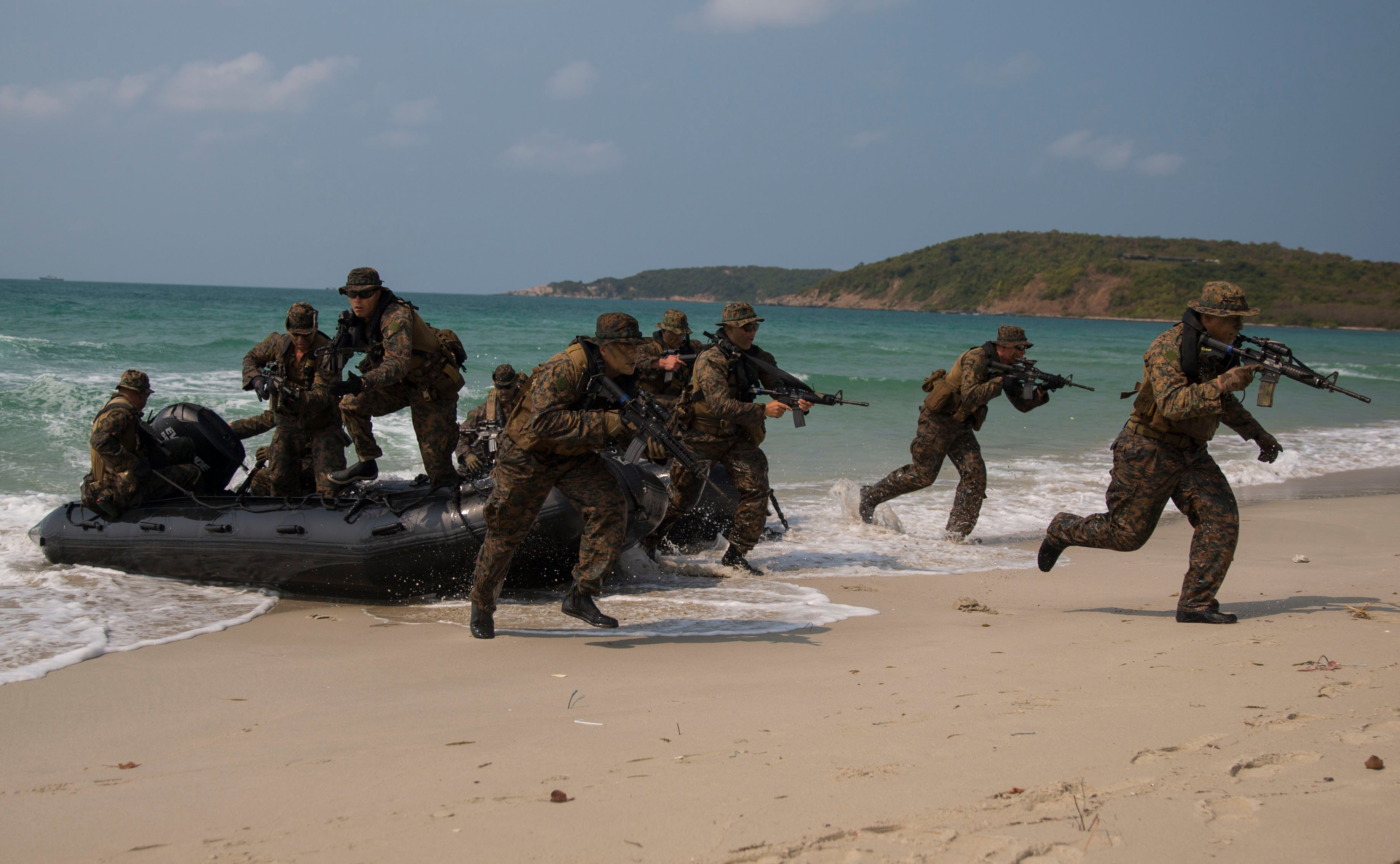U.S. Marines infiltrate the beach head during Cobra Gold 2014. US Marine Corps Photo