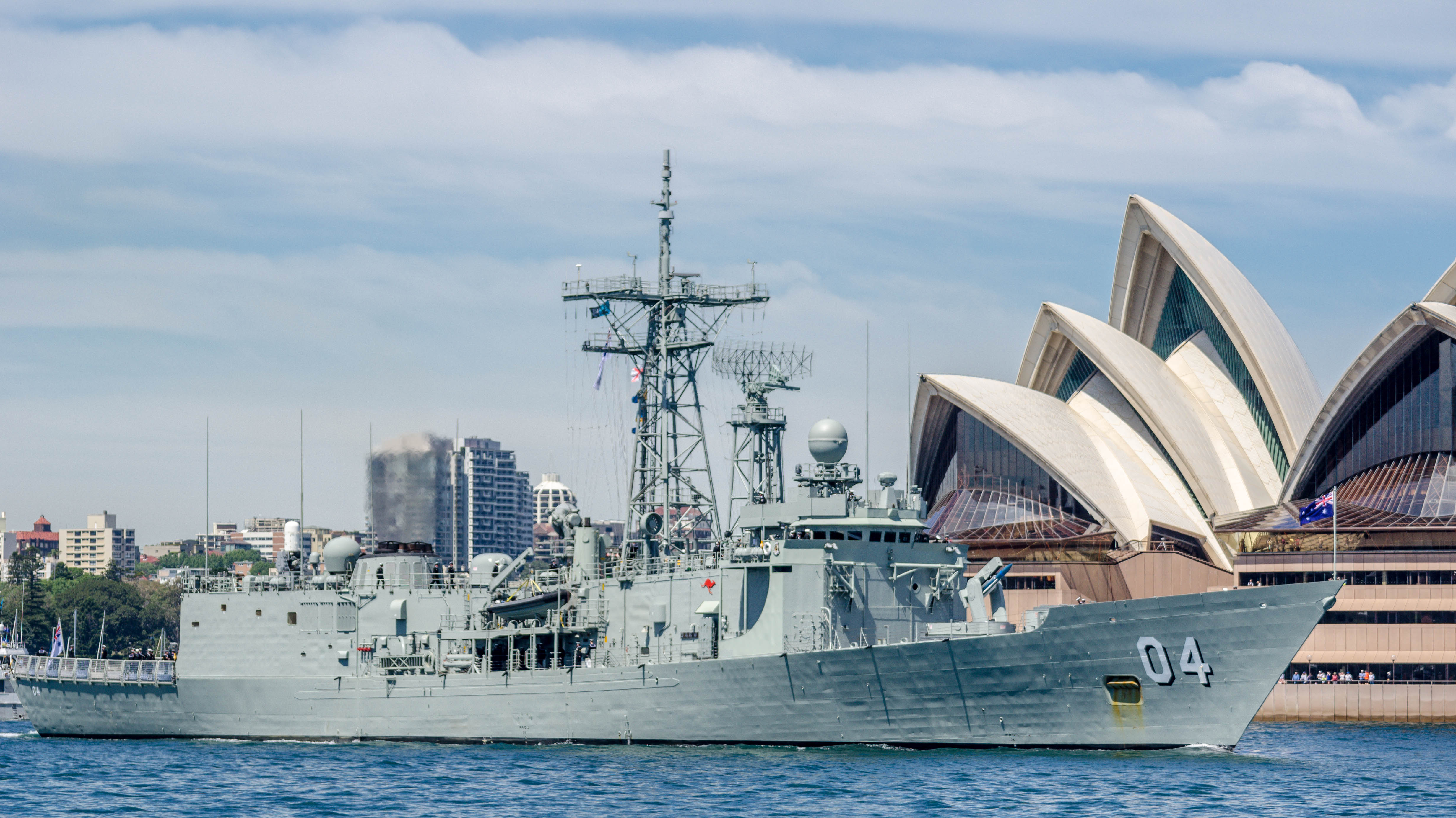 Royal Australian Navy frigate HMAS Darwin (FFG-04) in 2013.