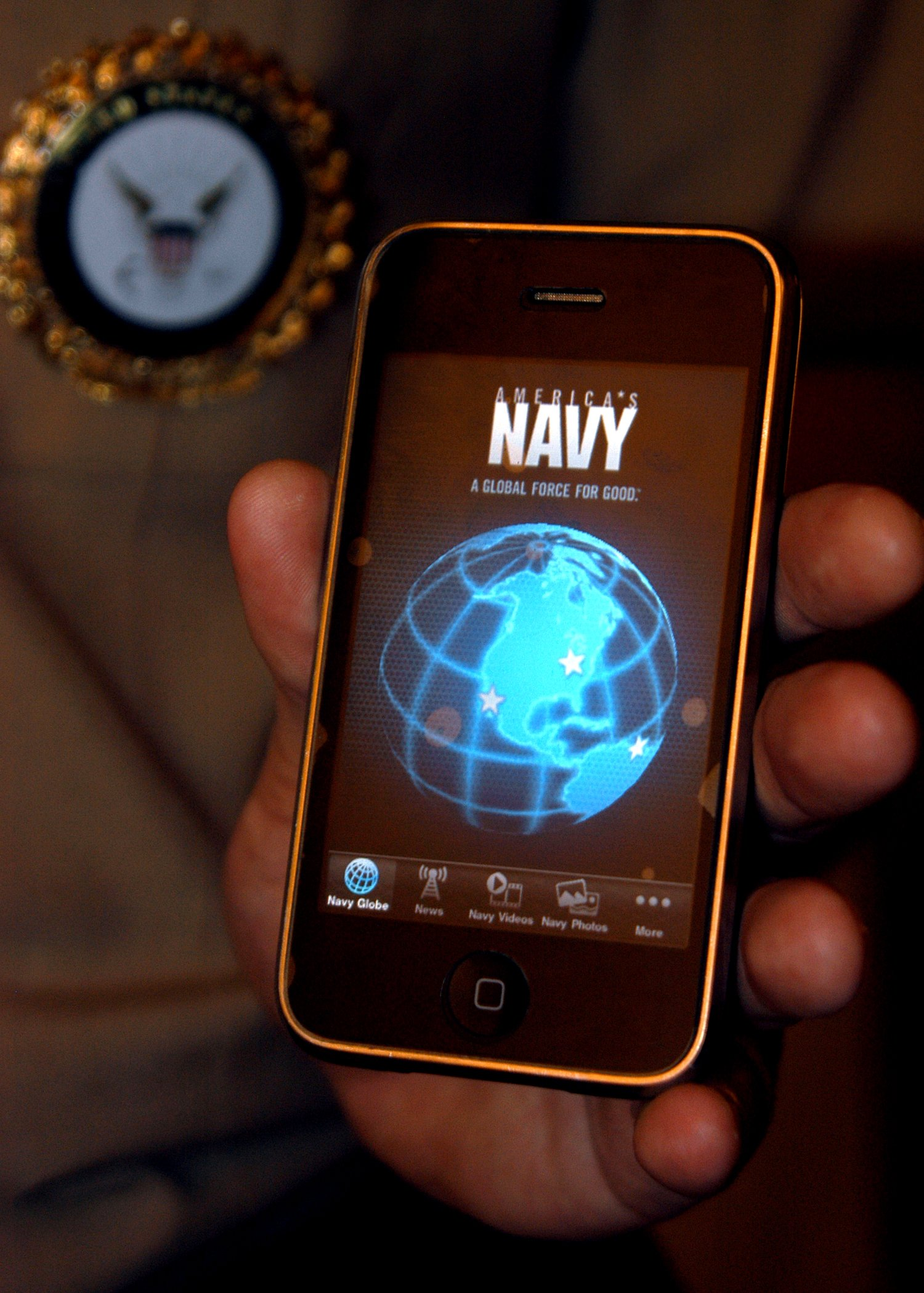 WEST: U S  Navy Ditching BlackBerry for iPhones, Androids - USNI News