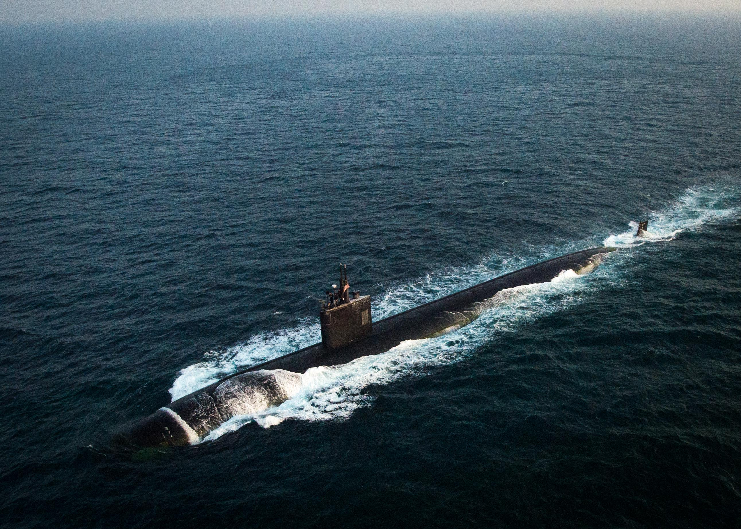 Los Angeles-class fast attack submarine USS Toledo (SSN-769) transits through the Persian Gulf. on Jan. 21, 2016. US Navy Photo