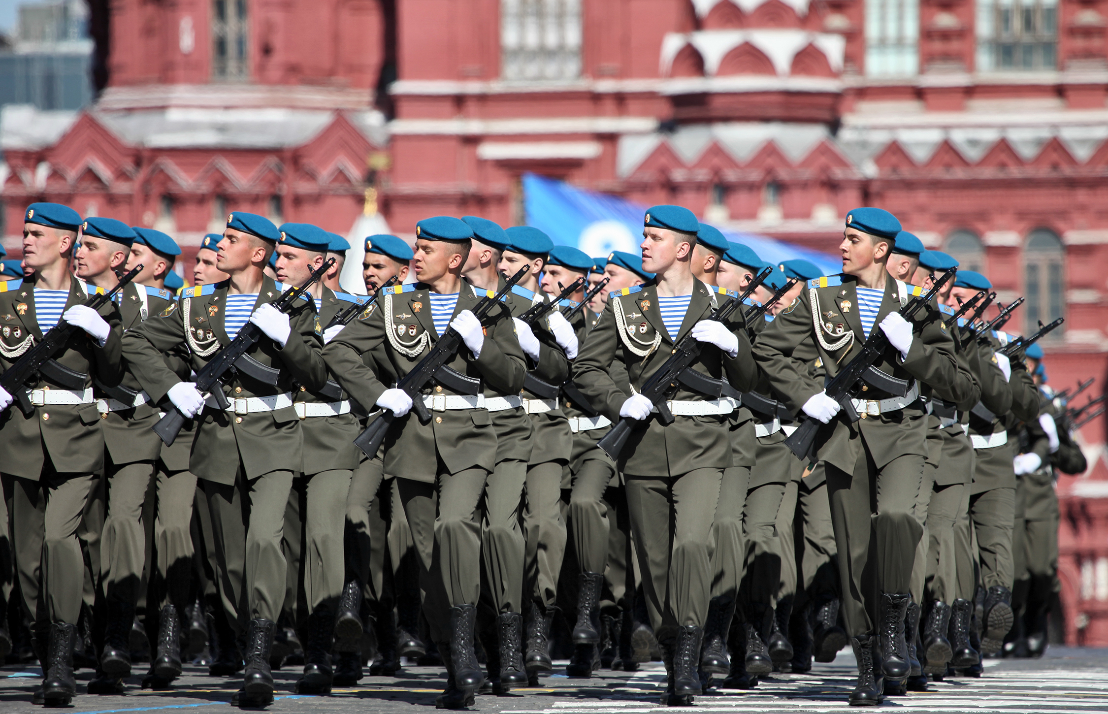 Russian airborne soldiers march in Moscow in 2013. photo by Vitaly V. Kuzmin