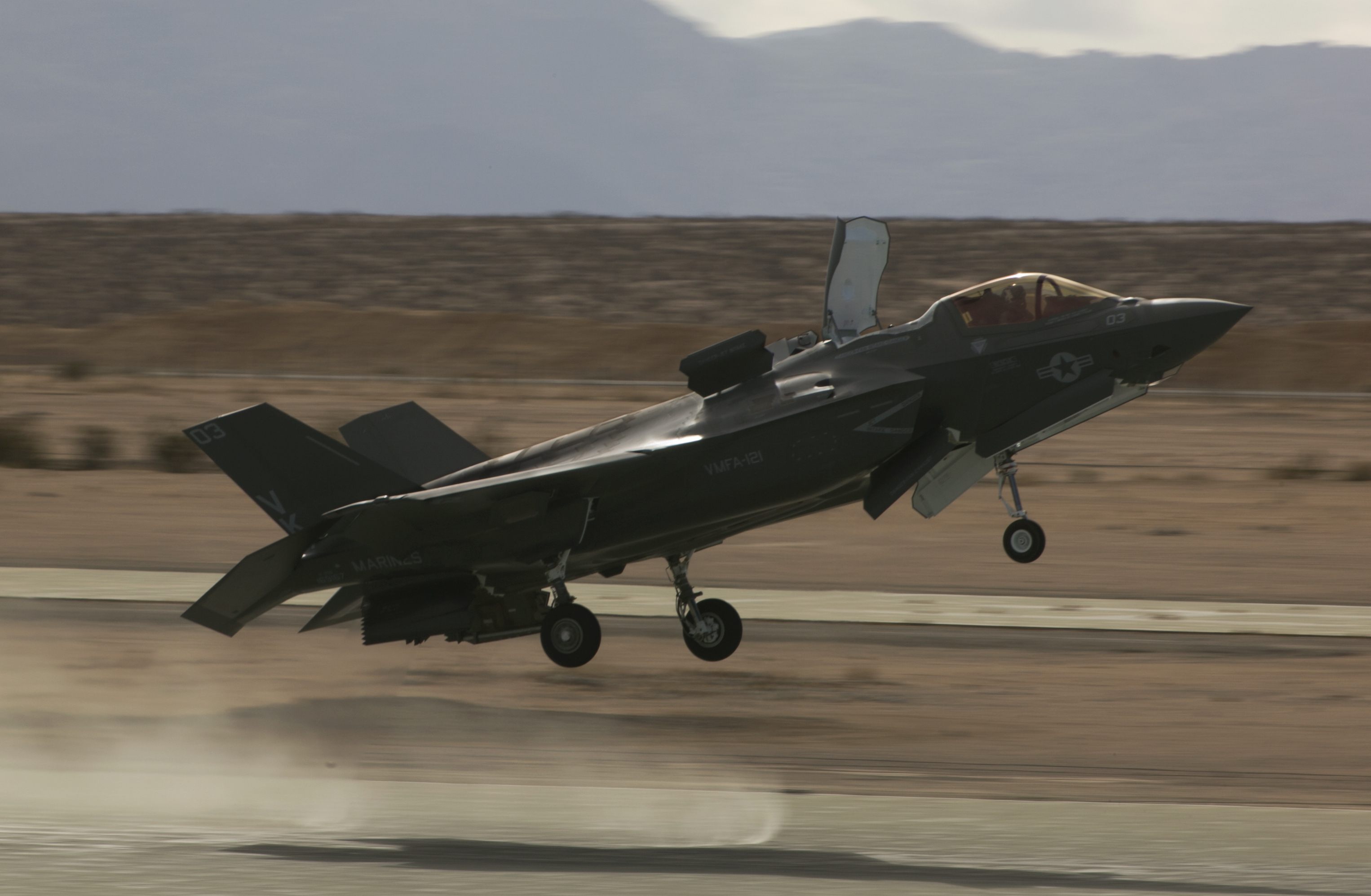 An F-35B Lightning II Joint Strike Fighter, Marine Fighter Attack Squadron 121, 3rd Marine Aircraft Wing, performs a conventional take-off on Dec. 11, 2015. US Marine Corps Photo