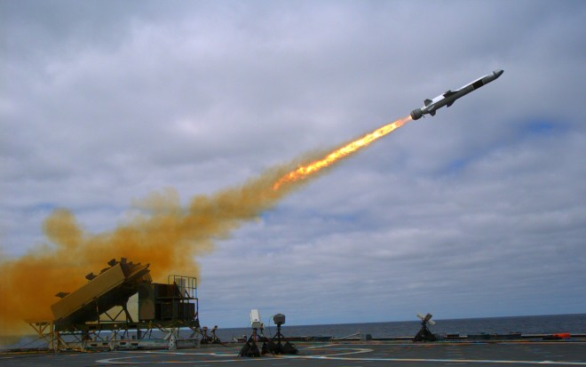 Raytheon, Kongsberg Ink Deal to Build Naval Strike Missile in U.S.