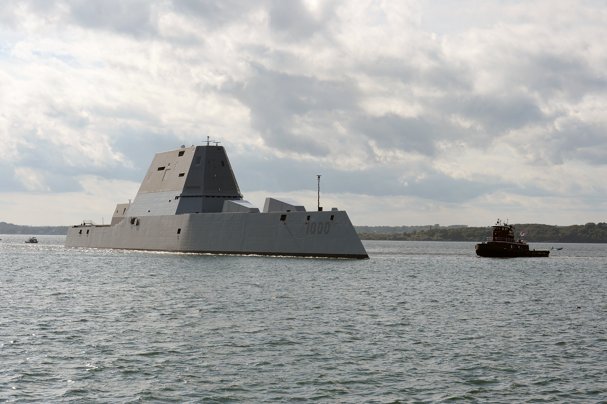 Zumwalt (DDG 1000) arrives at Naval Station Newport, Rhode Island during its maiden voyage from Bath Iron Works Shipyard in Bath, Maine on Sept. 8, 2016. US Navy Photo