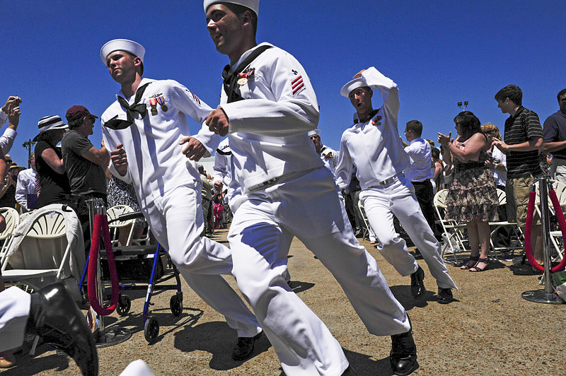 Sailors rush to man USS Mississippi in 2015. US Navy Photo
