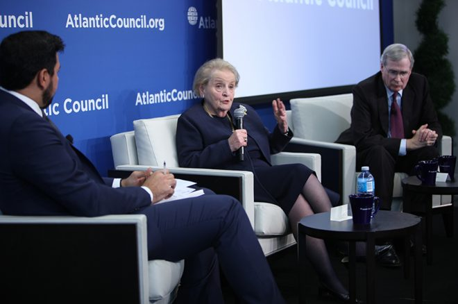 Hadley, Albright Report on Middle East Calls for New U.S. Strategy