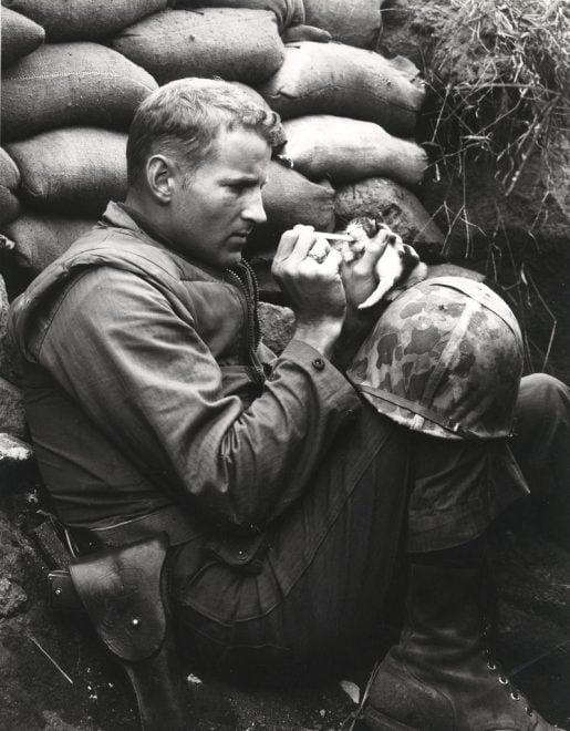 Korean War Marine Made Famous in Kitten Photo Dies
