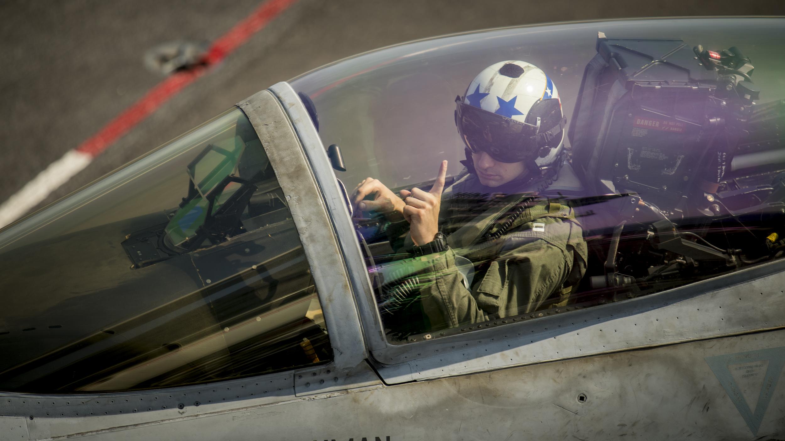 Growing Demand for Civilian Pilots Push Navy to Triple