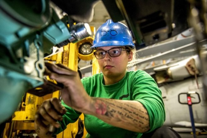 Navy Speeds Up Pace of Sea-Going Apprenticeship Program in Effort to Retain Sailors