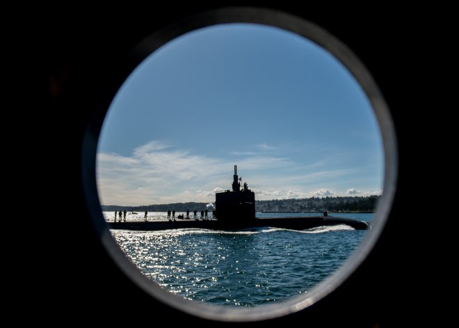 Navy Seeks To Retain Senior Submarine Officers with New Bonus Program