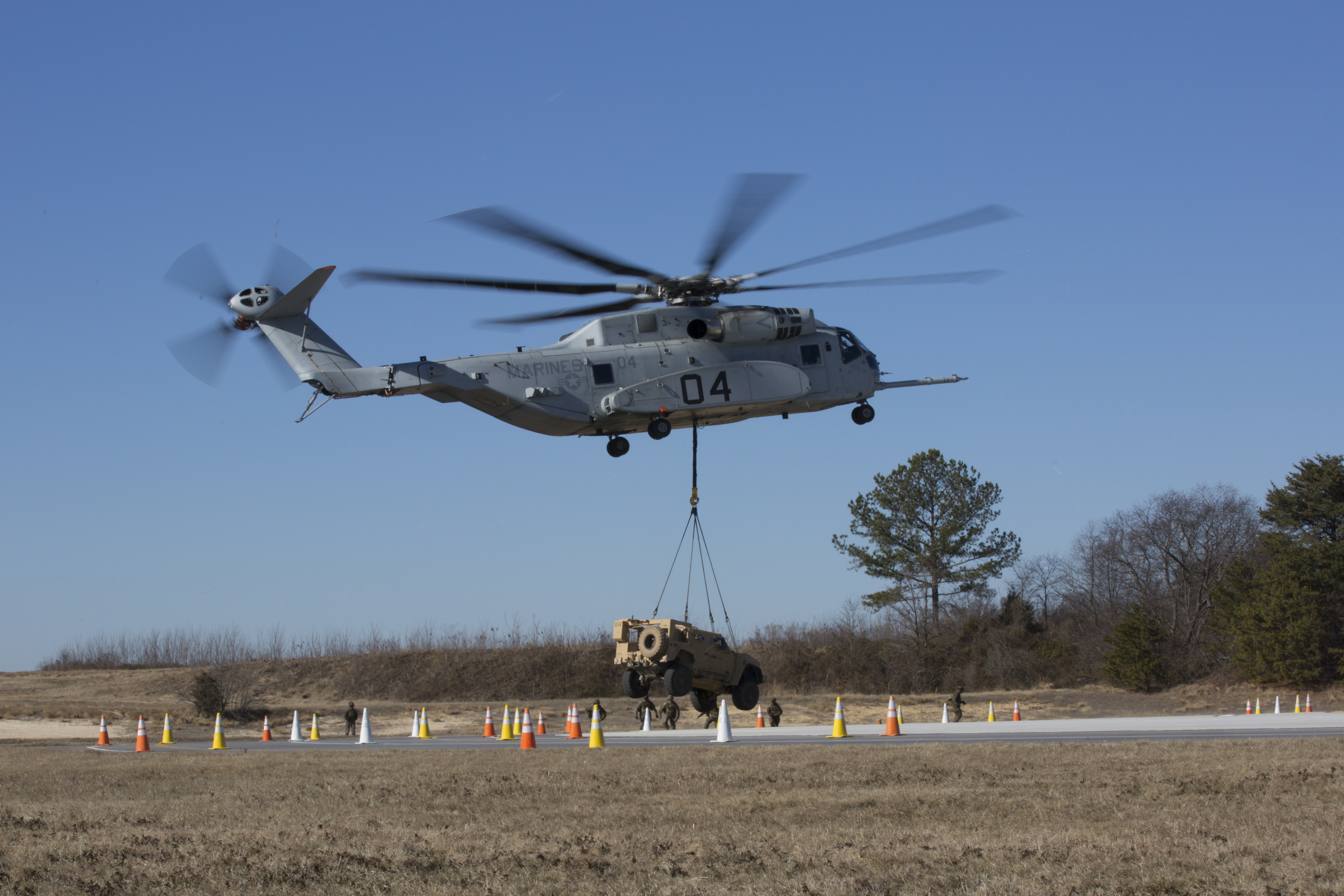 Marines' CH-53E Helos Seeing Sharp Uptick in Readiness, Amid Replacement's Testing Delays