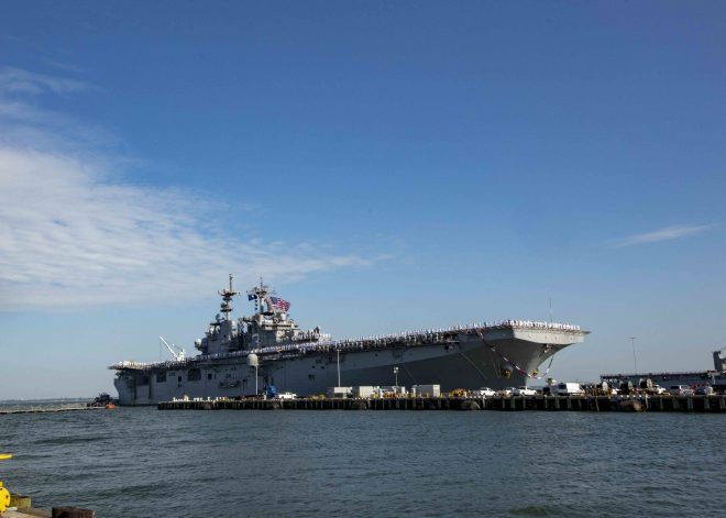 Kearsarge Returns to Norfolk After 7-Month Deployment
