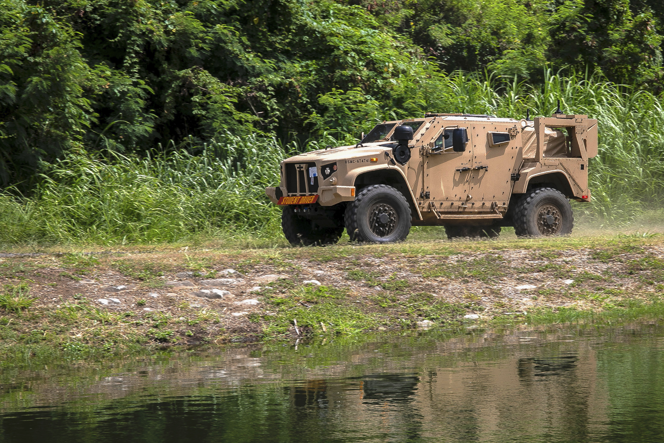 Marines Declare Initial Operational Capability for JLTV - USNI News