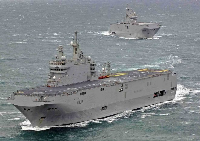 French Sending Amphibious Warships to Caribbean, Indian Ocean for Coronavirus Response